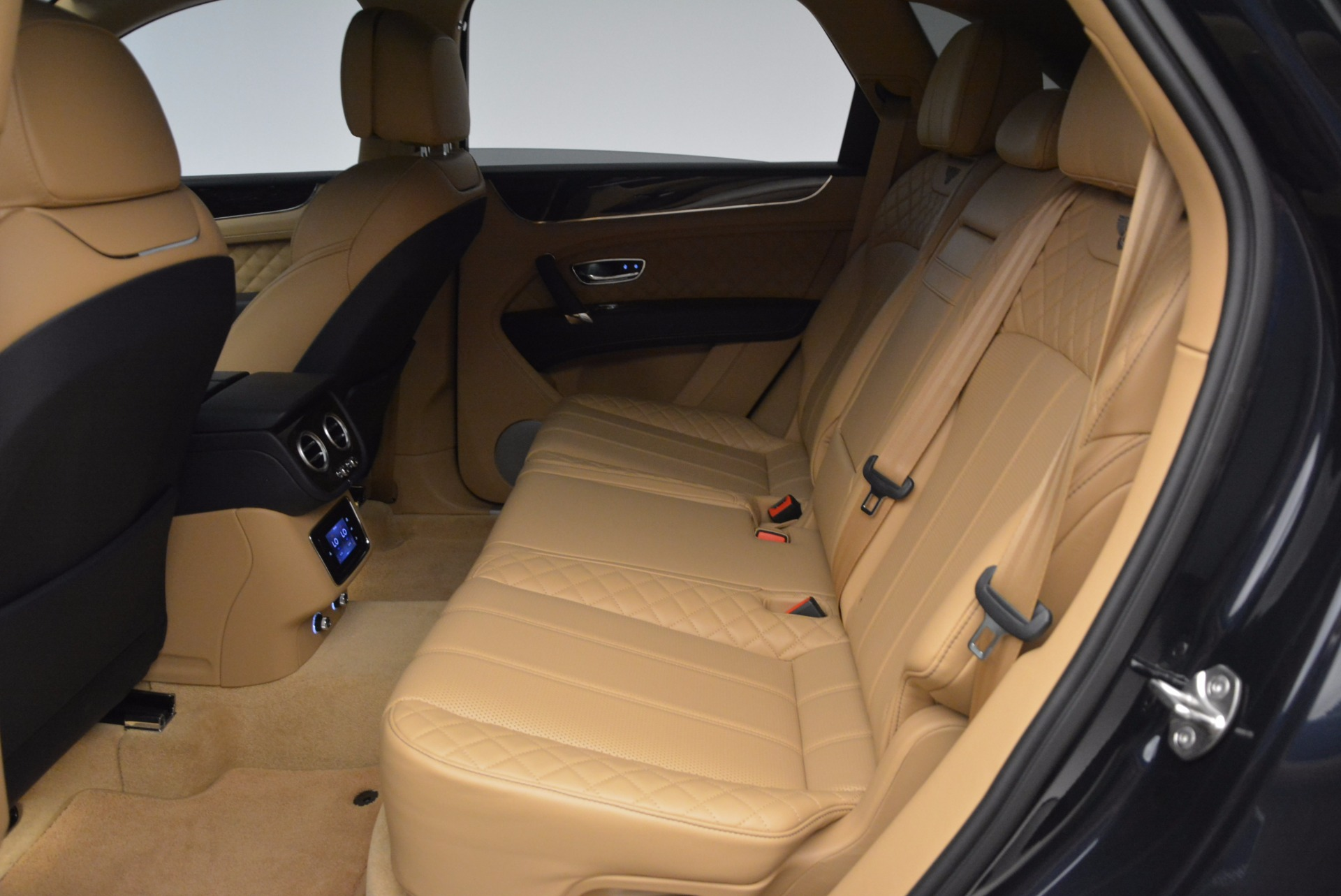 Used 2017 Bentley Bentayga W12 For Sale In Greenwich, CT. Alfa Romeo of Greenwich, M2166A 1077_p25