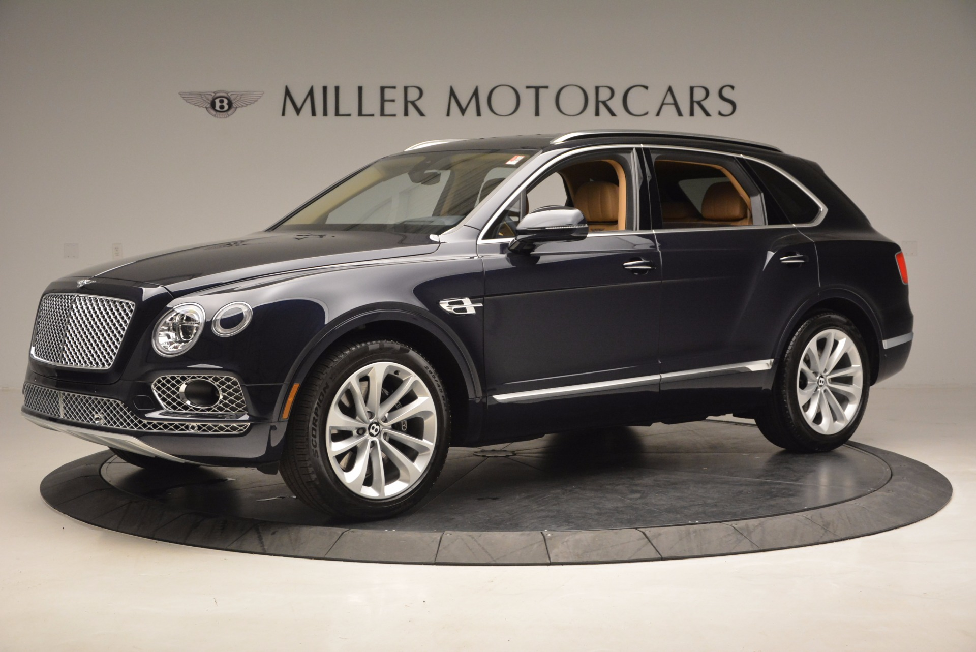 Used 2017 Bentley Bentayga W12 For Sale In Greenwich, CT. Alfa Romeo of Greenwich, M2166A 1077_p2