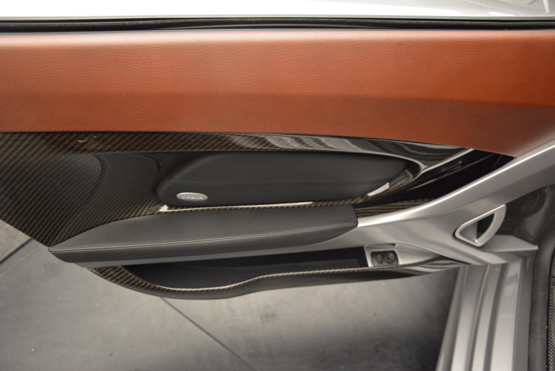 Used 2005 Porsche Carrera GT  For Sale In Greenwich, CT. Alfa Romeo of Greenwich, 7114 108_p19