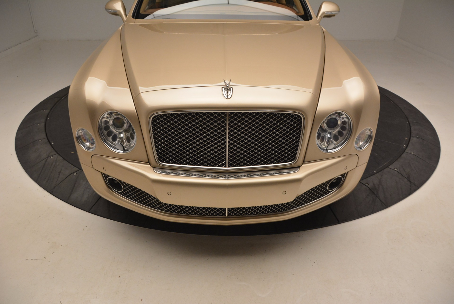 Used 2011 Bentley Mulsanne  For Sale In Greenwich, CT. Alfa Romeo of Greenwich, B1245A 1081_p13