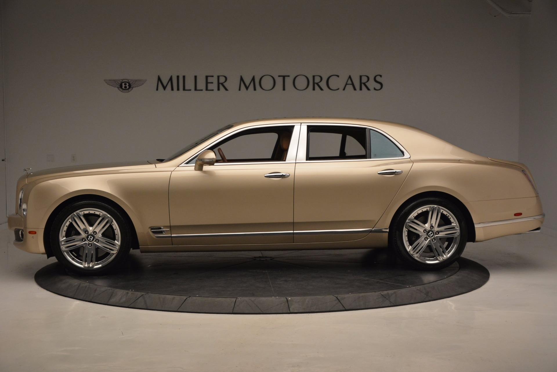 Used 2011 Bentley Mulsanne  For Sale In Greenwich, CT. Alfa Romeo of Greenwich, B1245A 1081_p3