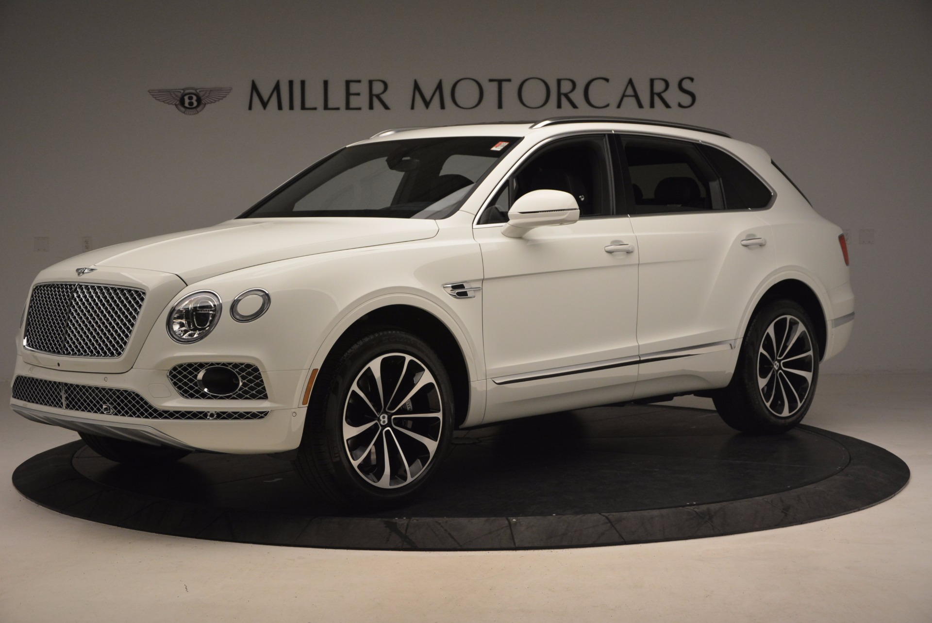 Used 2017 Bentley Bentayga  For Sale In Greenwich, CT. Alfa Romeo of Greenwich, B1235 1091_p2