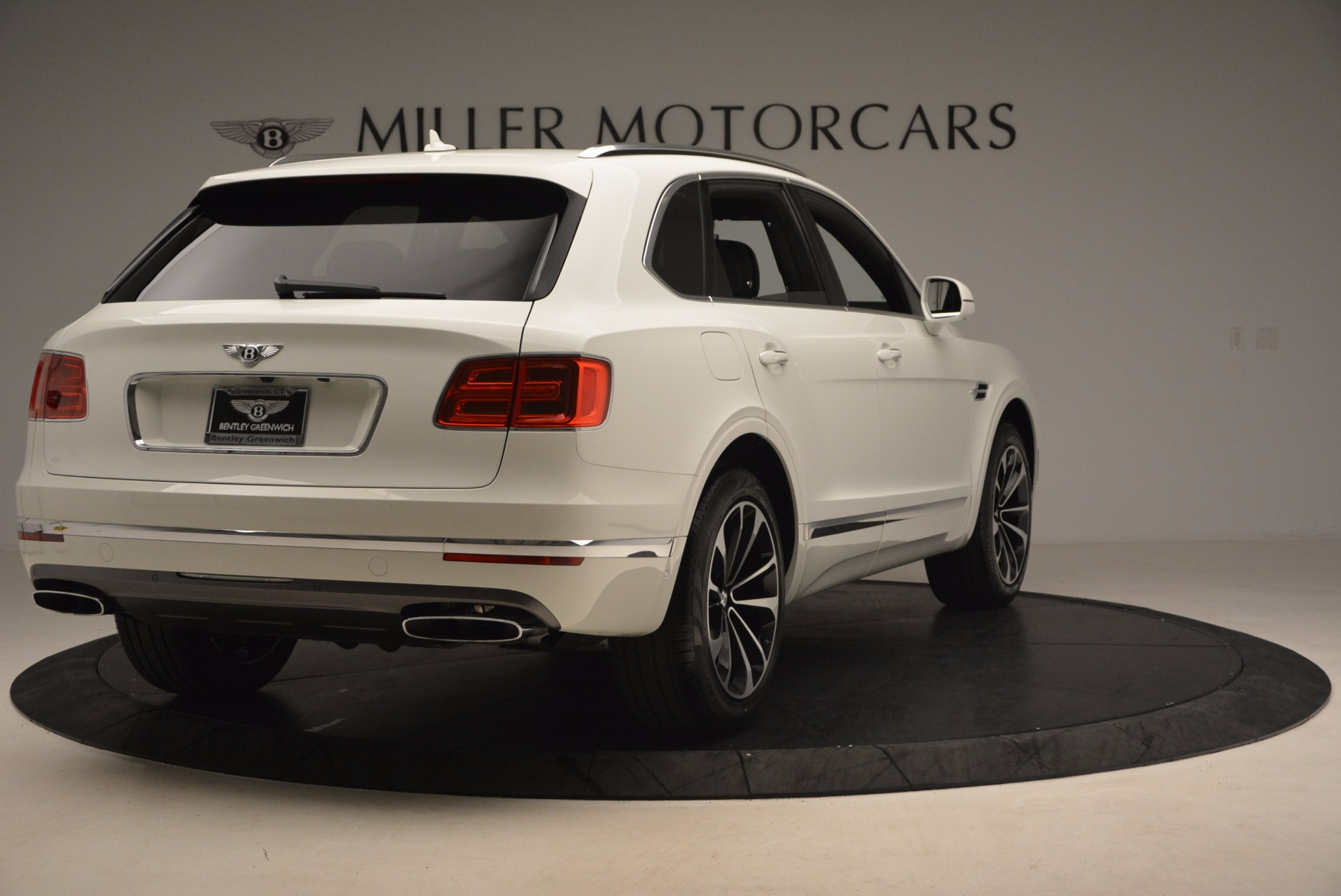 Used 2017 Bentley Bentayga  For Sale In Greenwich, CT. Alfa Romeo of Greenwich, B1235 1091_p7