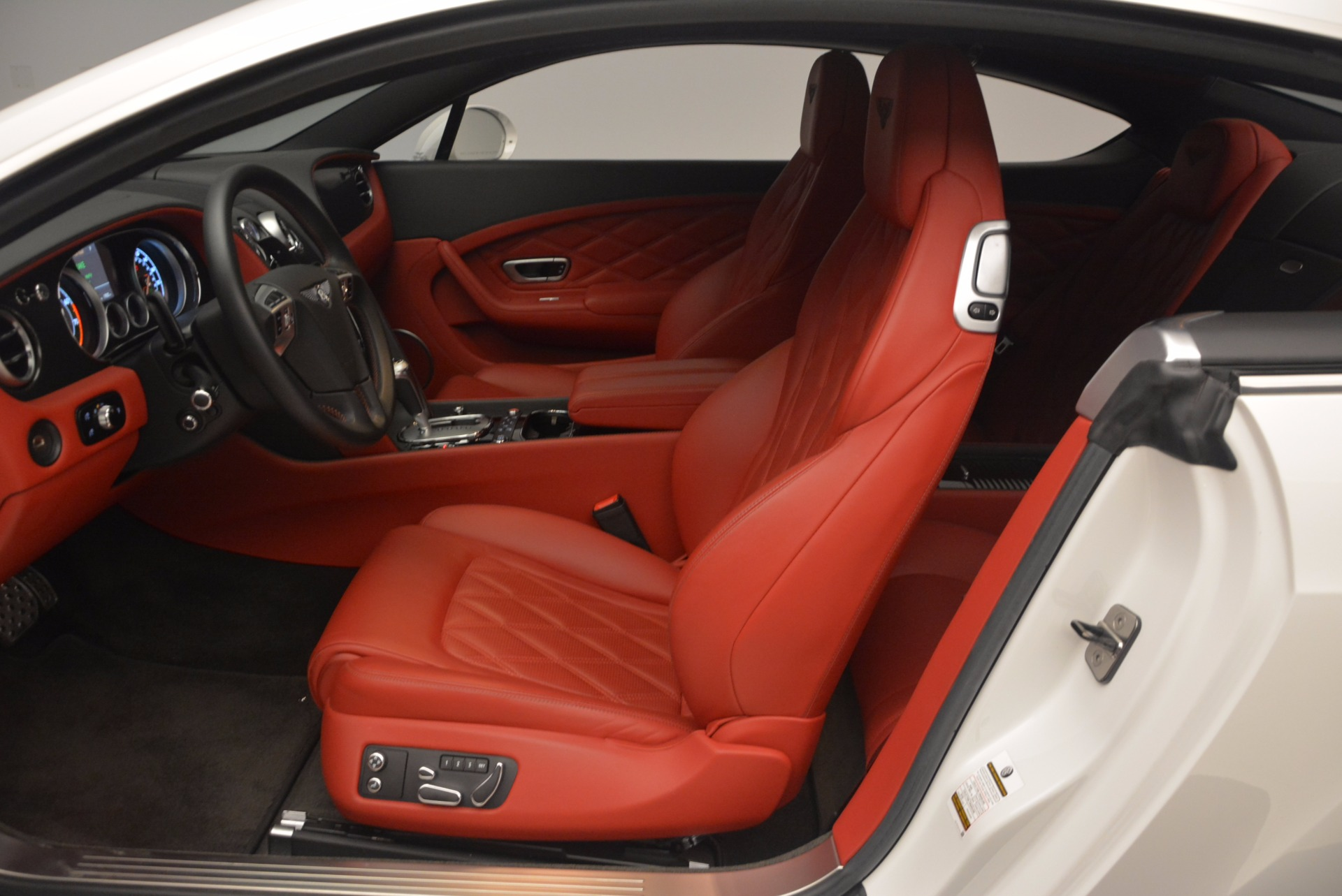 Used 2014 Bentley Continental GT Speed For Sale In Greenwich, CT. Alfa Romeo of Greenwich, B1204A 1102_p23