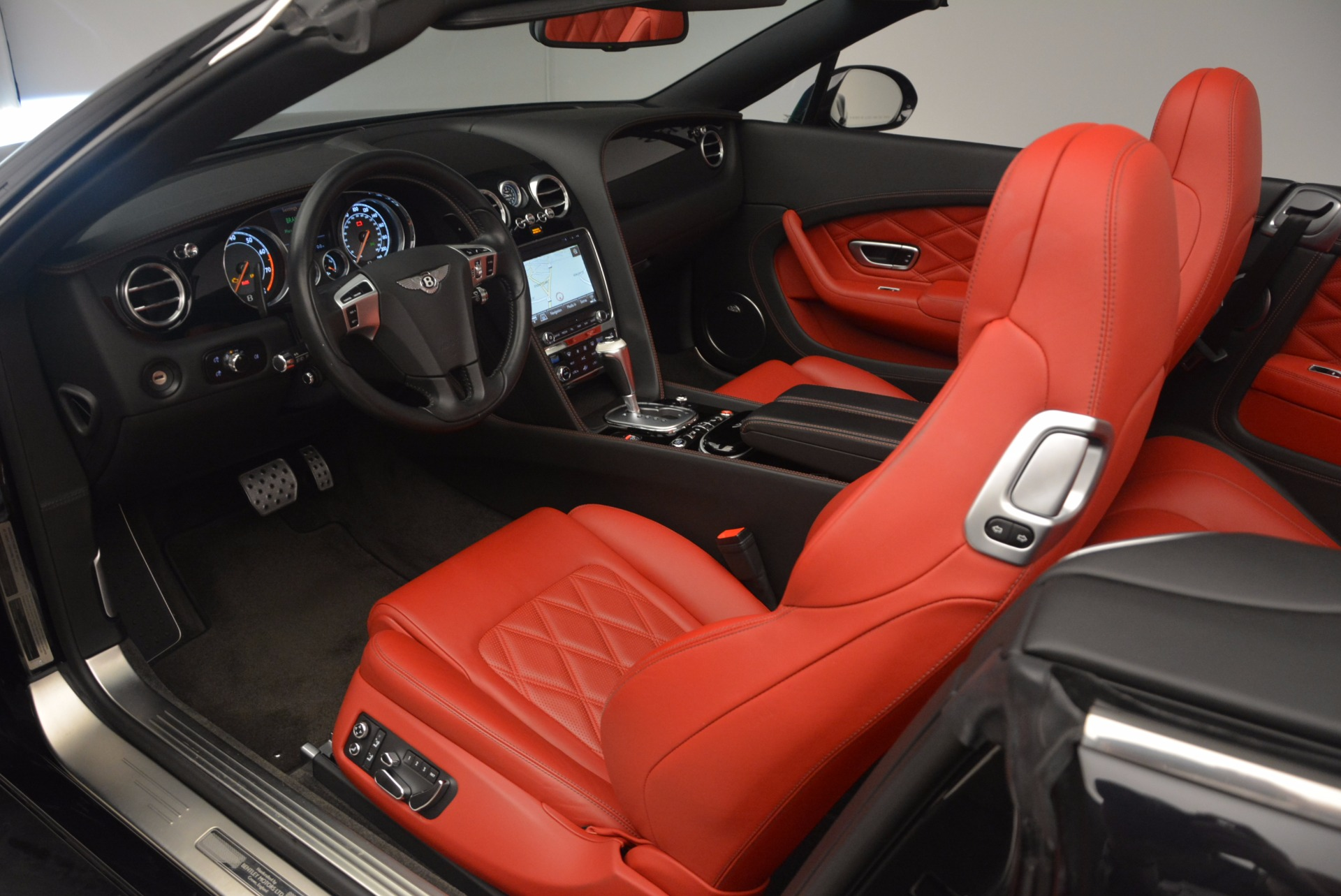 Used 2012 Bentley Continental GT W12 Convertible For Sale In Greenwich, CT. Alfa Romeo of Greenwich, 7188 1104_p35