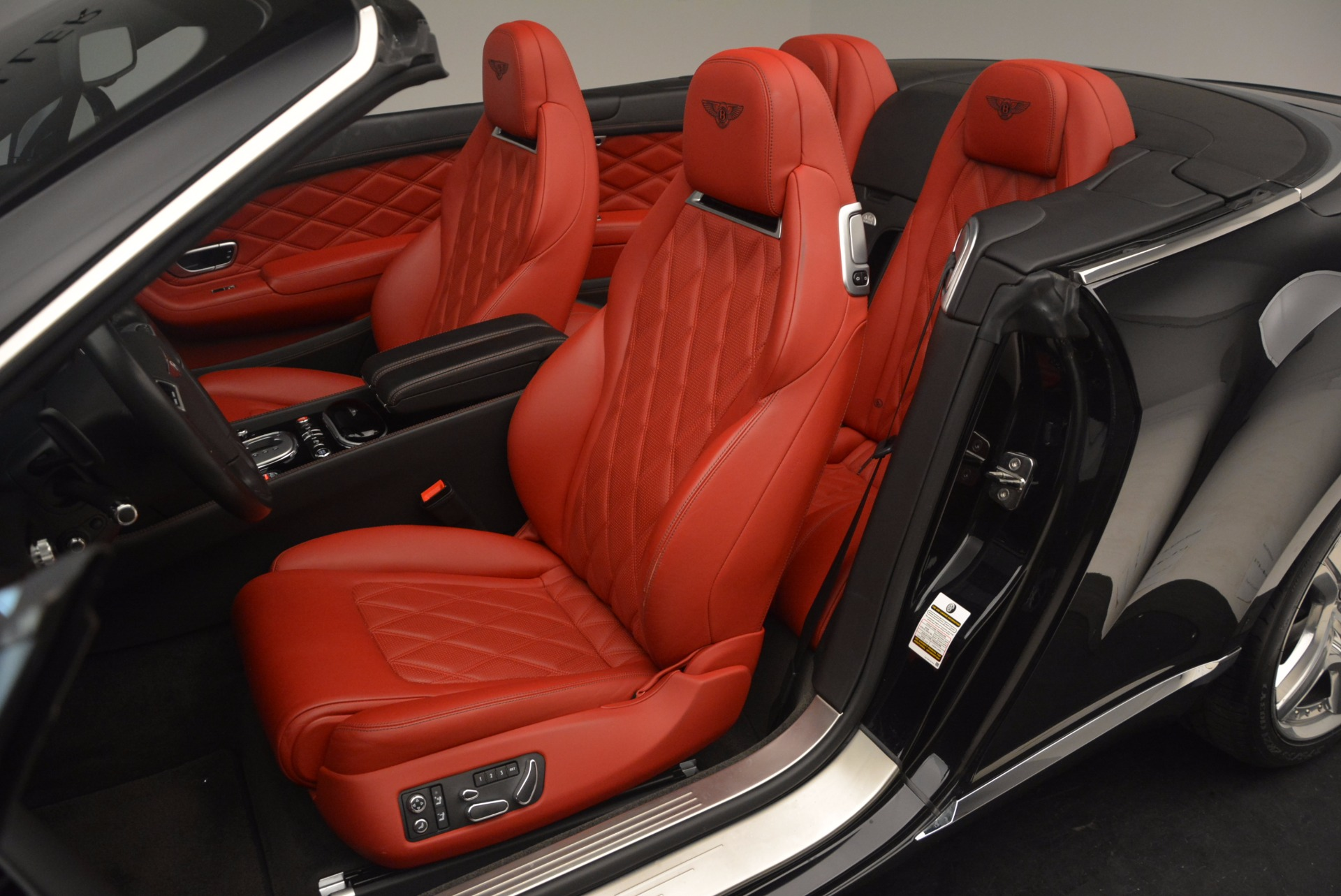 Used 2012 Bentley Continental GT W12 Convertible For Sale In Greenwich, CT. Alfa Romeo of Greenwich, 7188 1104_p37