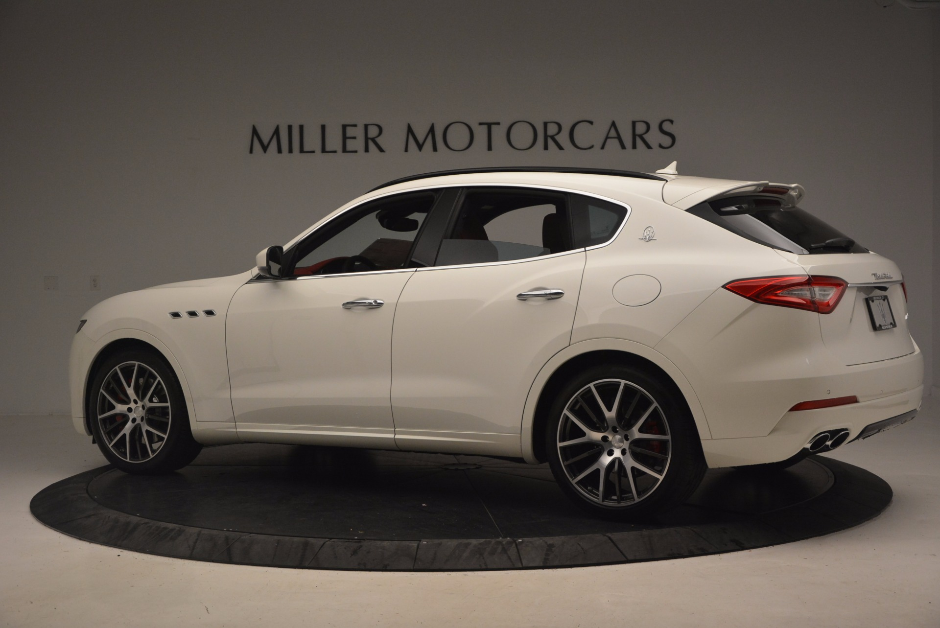 New 2017 Maserati Levante S For Sale In Greenwich, CT. Alfa Romeo of Greenwich, M1851 1117_p4