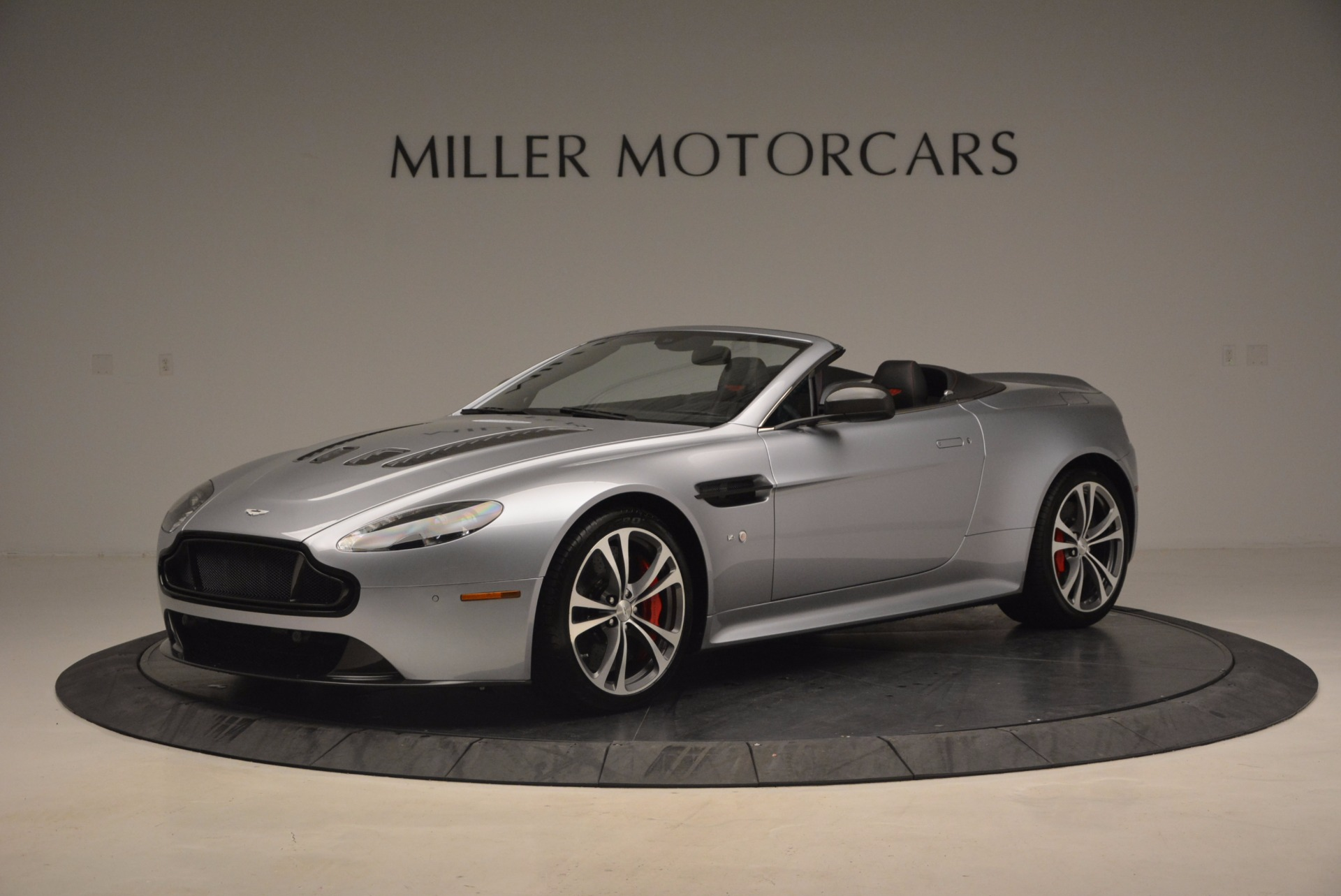 Used 2015 Aston Martin V12 Vantage S Roadster For Sale In Greenwich, CT. Alfa Romeo of Greenwich, 7197 1130_main