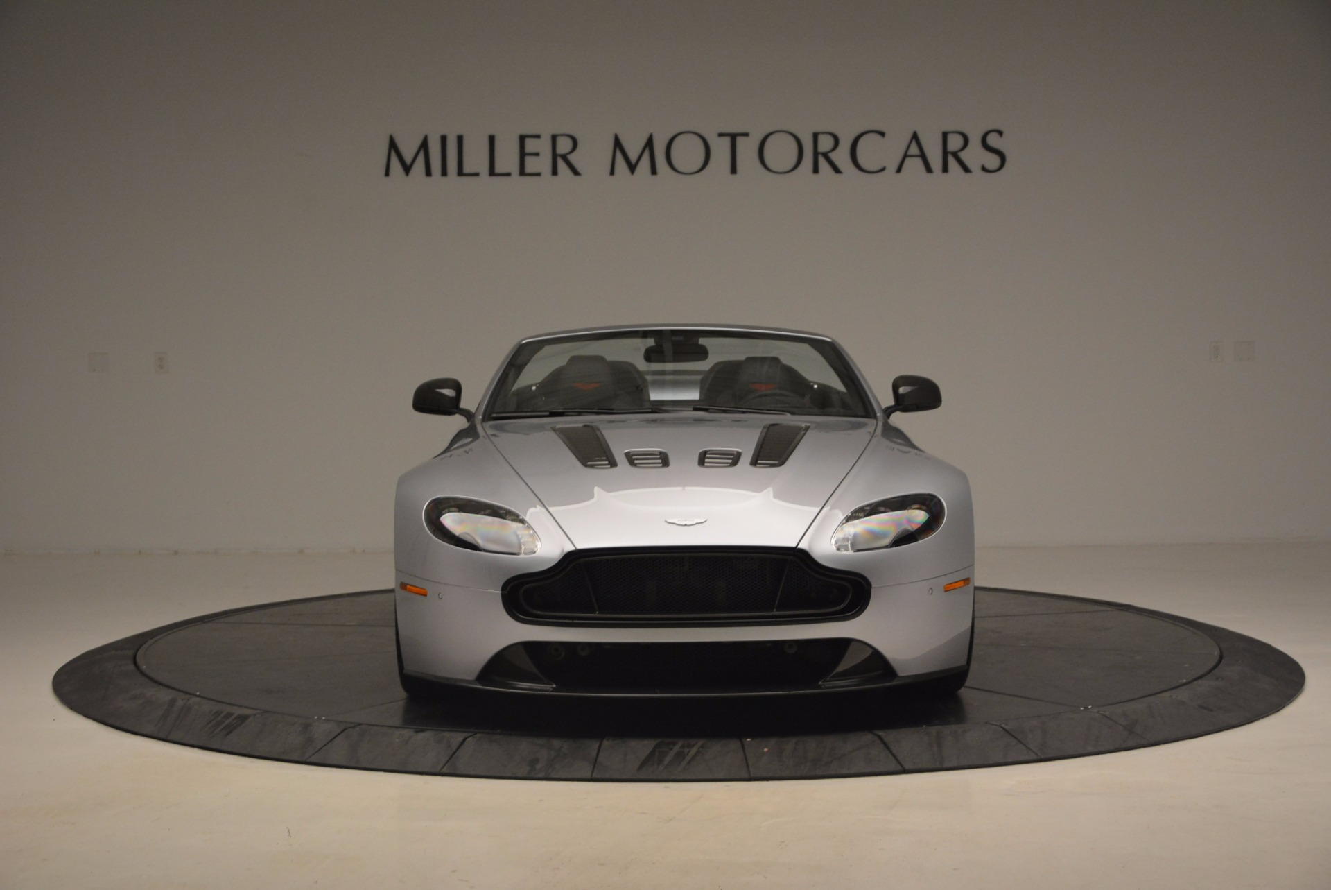 Used 2015 Aston Martin V12 Vantage S Roadster For Sale In Greenwich, CT. Alfa Romeo of Greenwich, 7197 1130_p12