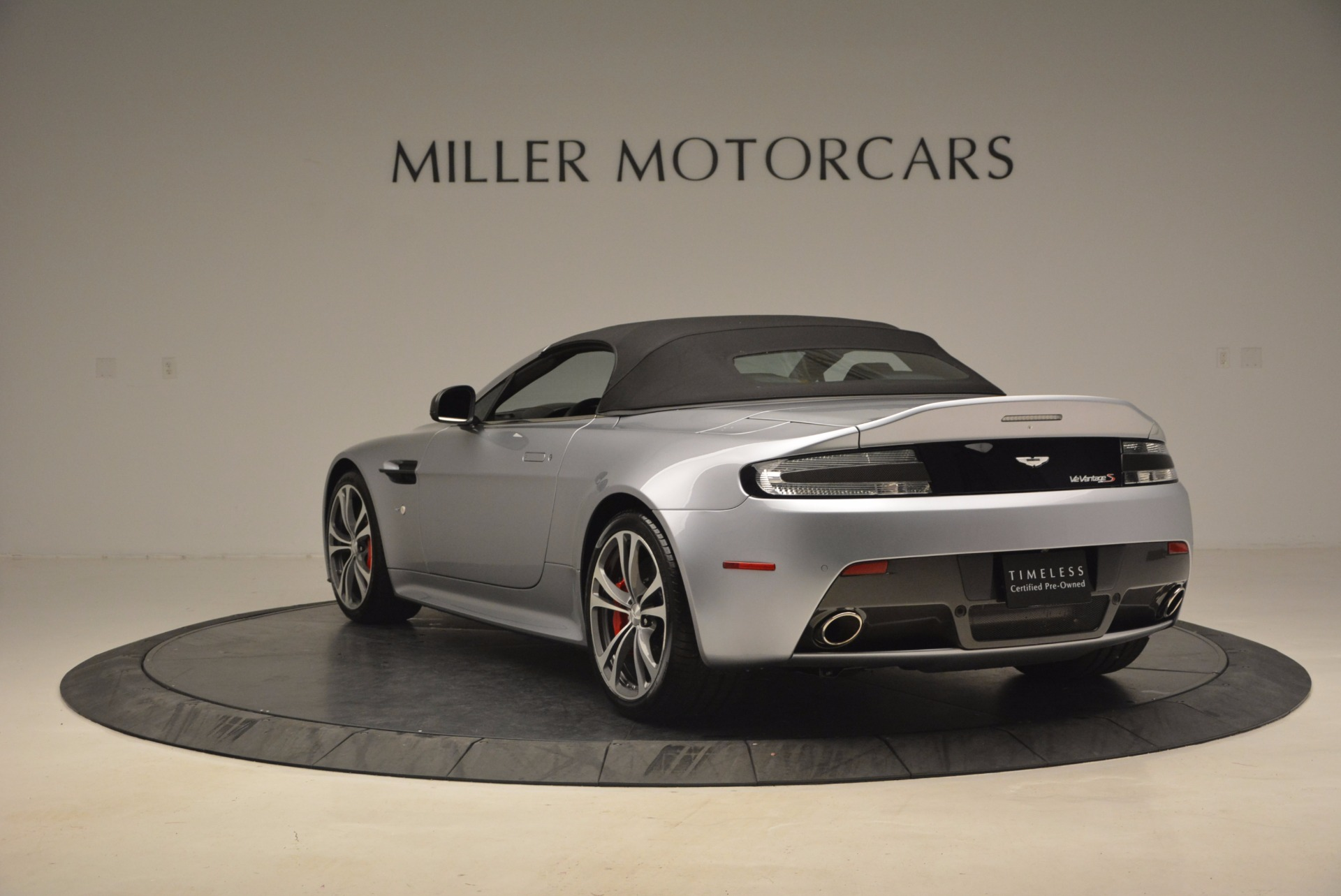 Used 2015 Aston Martin V12 Vantage S Roadster For Sale In Greenwich, CT. Alfa Romeo of Greenwich, 7197 1130_p17