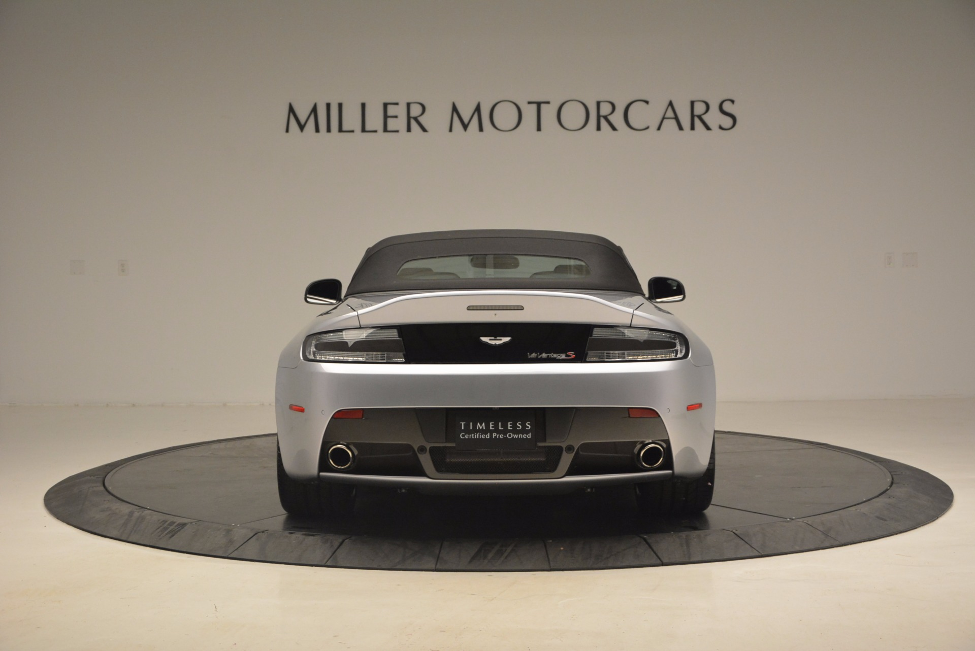 Used 2015 Aston Martin V12 Vantage S Roadster For Sale In Greenwich, CT. Alfa Romeo of Greenwich, 7197 1130_p18