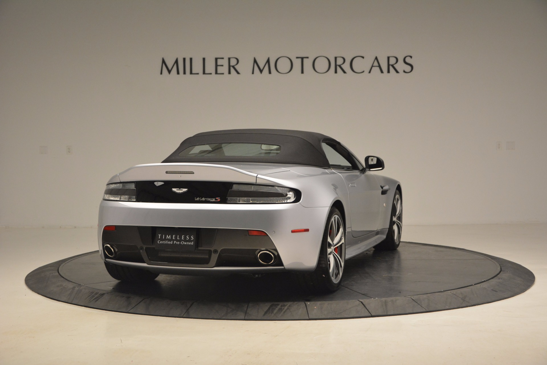 Used 2015 Aston Martin V12 Vantage S Roadster For Sale In Greenwich, CT. Alfa Romeo of Greenwich, 7197 1130_p19