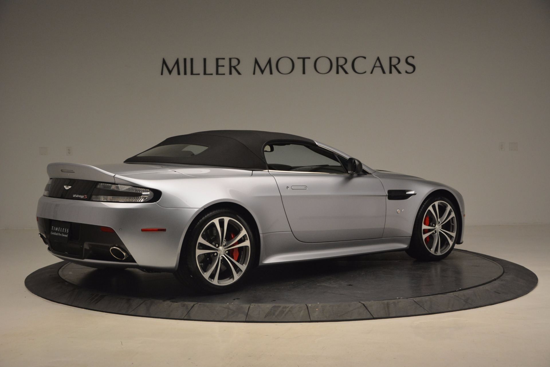 Used 2015 Aston Martin V12 Vantage S Roadster For Sale In Greenwich, CT. Alfa Romeo of Greenwich, 7197 1130_p20