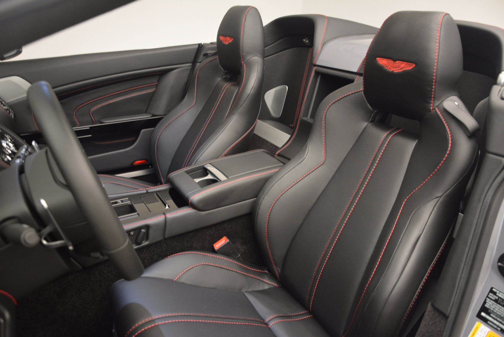 Used 2015 Aston Martin V12 Vantage S Roadster For Sale In Greenwich, CT. Alfa Romeo of Greenwich, 7197 1130_p27