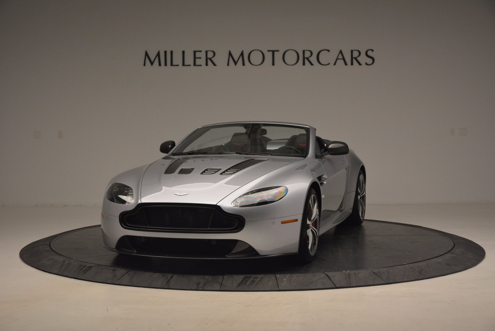 Used 2015 Aston Martin V12 Vantage S Roadster For Sale In Greenwich, CT. Alfa Romeo of Greenwich, 7197 1130_p2