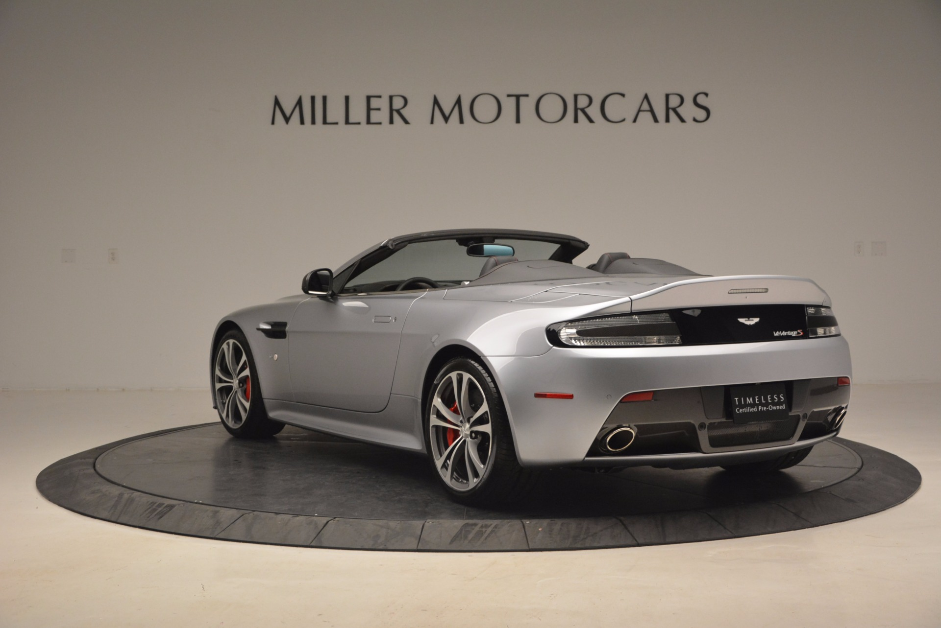 Used 2015 Aston Martin V12 Vantage S Roadster For Sale In Greenwich, CT. Alfa Romeo of Greenwich, 7197 1130_p5