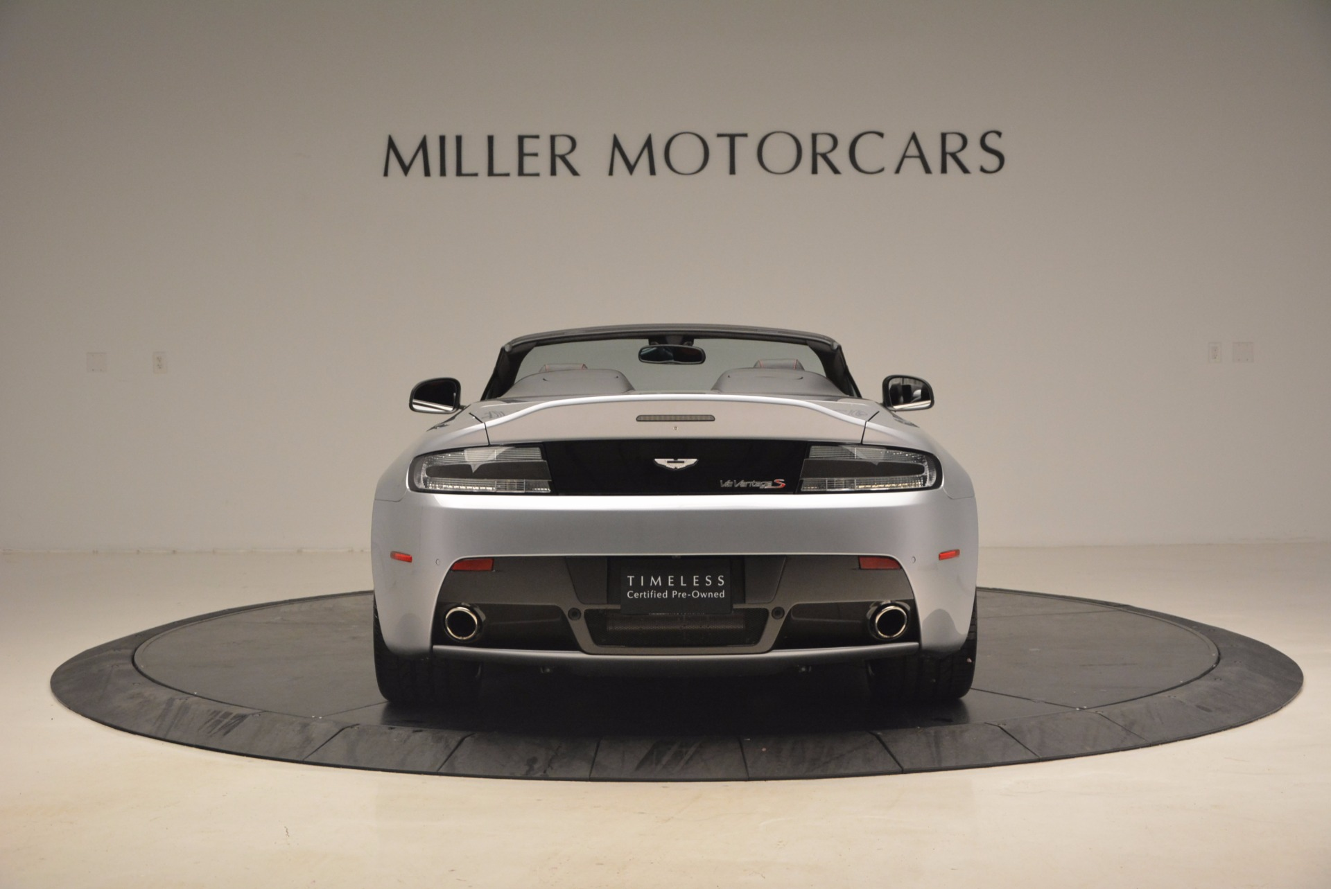 Used 2015 Aston Martin V12 Vantage S Roadster For Sale In Greenwich, CT. Alfa Romeo of Greenwich, 7197 1130_p6