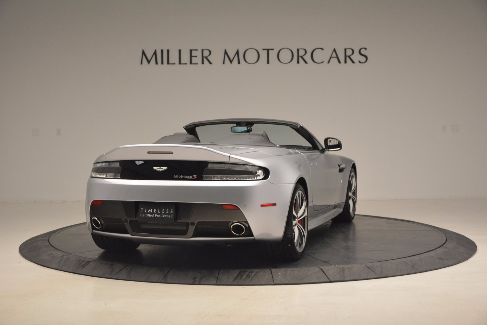 Used 2015 Aston Martin V12 Vantage S Roadster For Sale In Greenwich, CT. Alfa Romeo of Greenwich, 7197 1130_p7