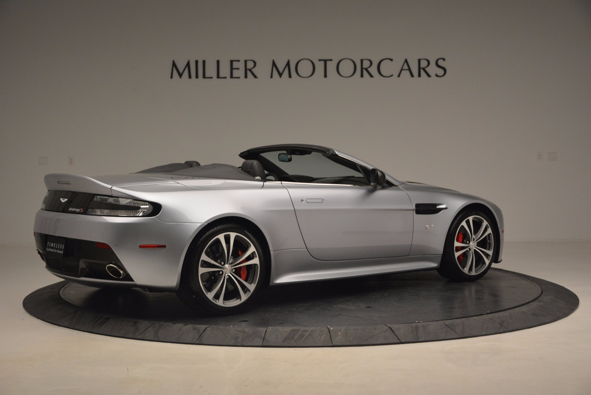 Used 2015 Aston Martin V12 Vantage S Roadster For Sale In Greenwich, CT. Alfa Romeo of Greenwich, 7197 1130_p8