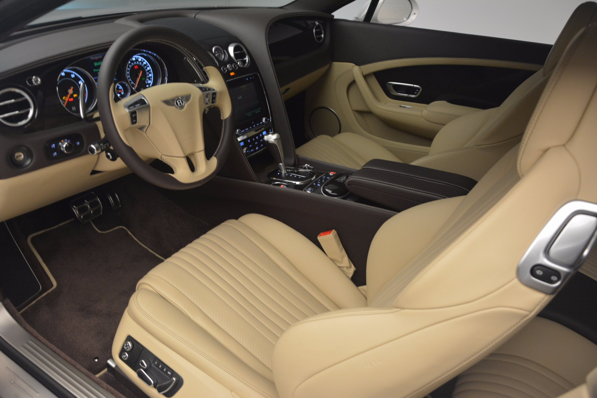 Used 2017 Bentley Continental GT V8 For Sale In Greenwich, CT. Alfa Romeo of Greenwich, B1249 1133_p19