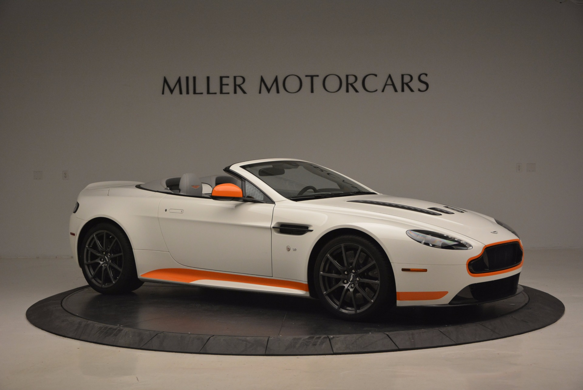 Used 2017 Aston Martin V12 Vantage S Convertible For Sale In Greenwich, CT. Alfa Romeo of Greenwich, 7514 1134_p10