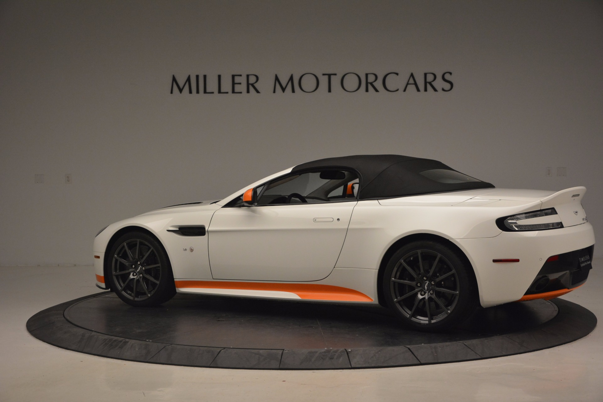 Used 2017 Aston Martin V12 Vantage S Convertible For Sale In Greenwich, CT. Alfa Romeo of Greenwich, 7514 1134_p16