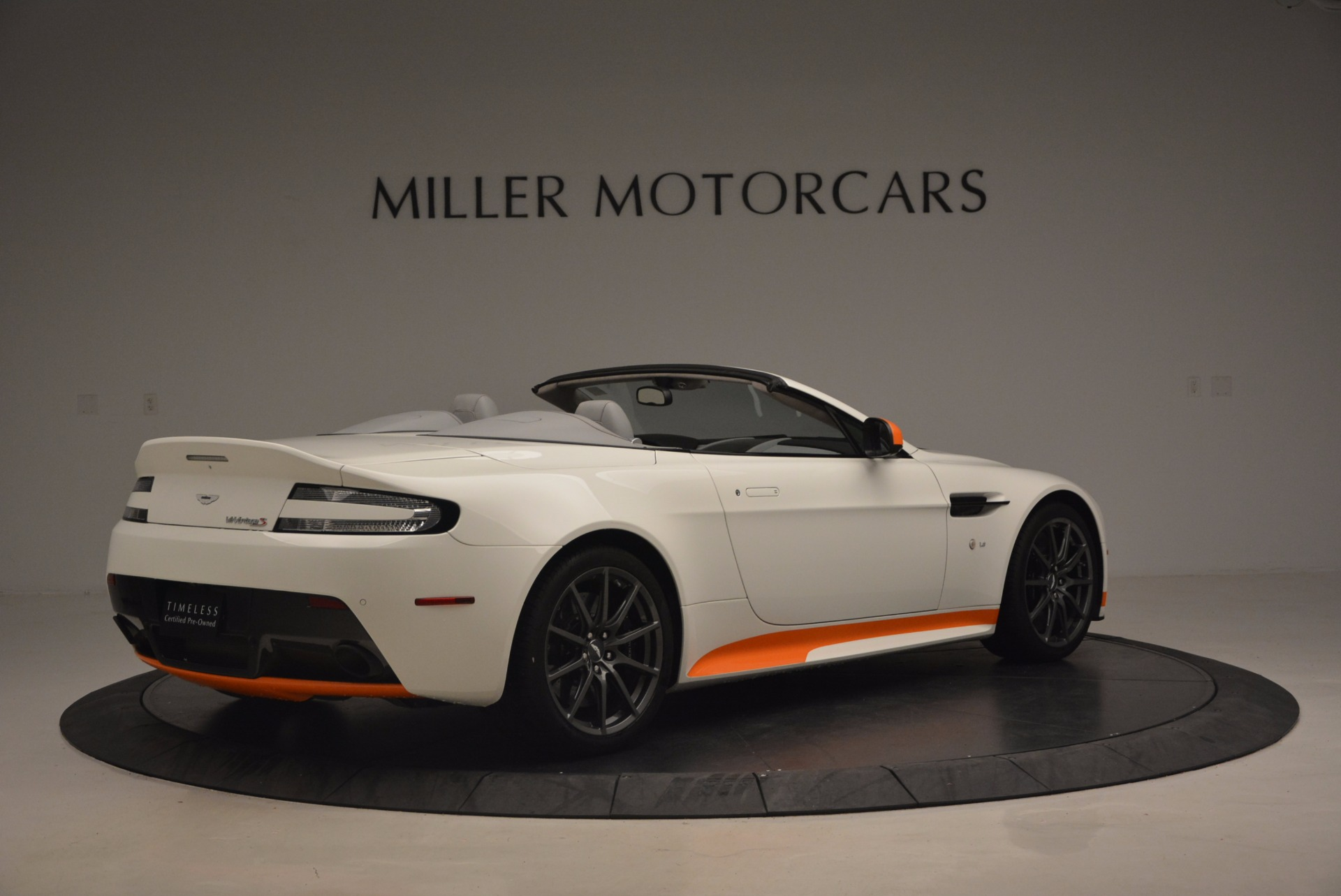 Used 2017 Aston Martin V12 Vantage S Convertible For Sale In Greenwich, CT. Alfa Romeo of Greenwich, 7514 1134_p8
