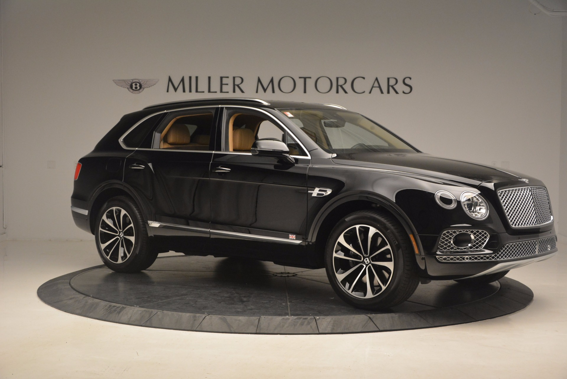 Used 2017 Bentley Bentayga  For Sale In Greenwich, CT. Alfa Romeo of Greenwich, B1253 1139_p10