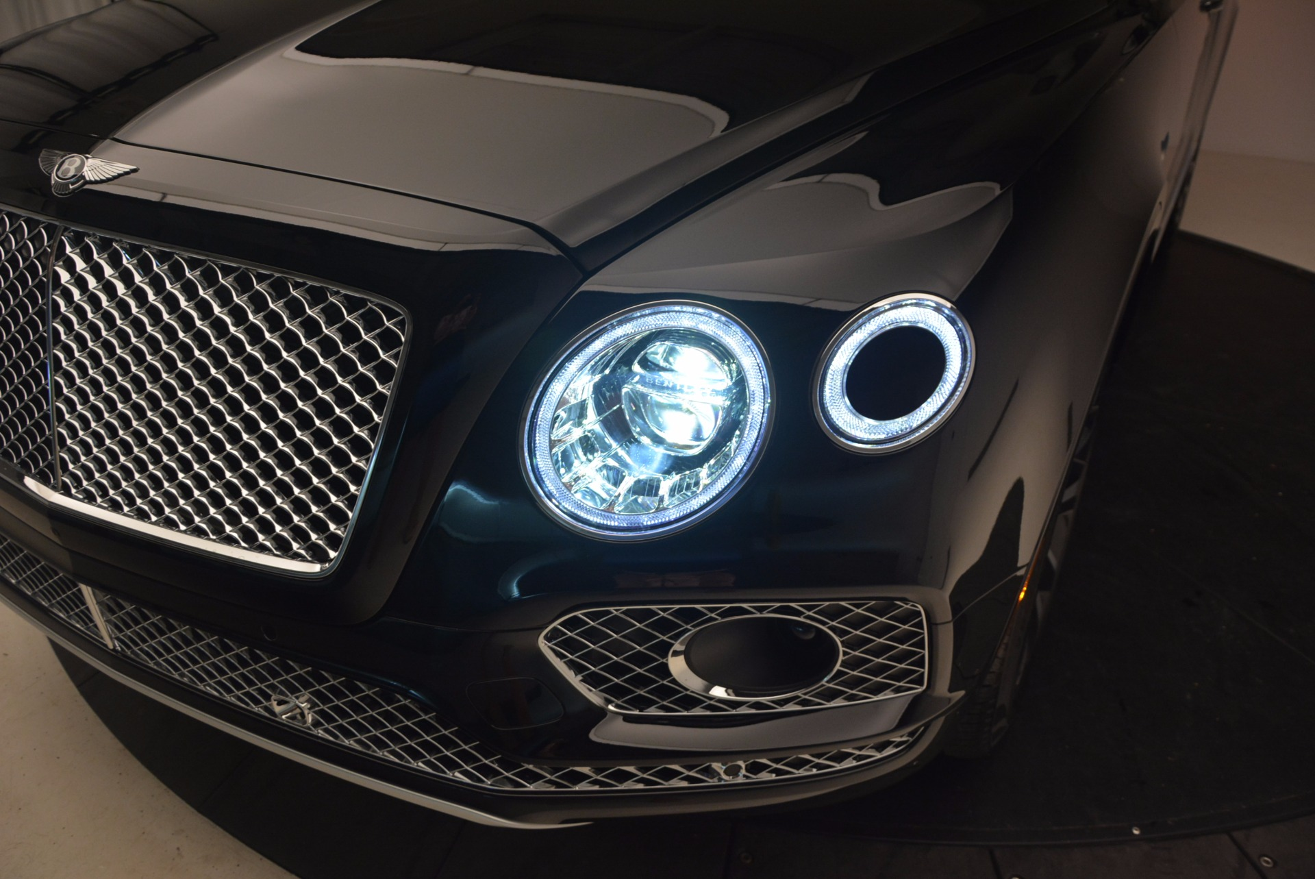 New 2017 Bentley Bentayga  For Sale In Greenwich, CT. Alfa Romeo of Greenwich, B1252 1140_p19