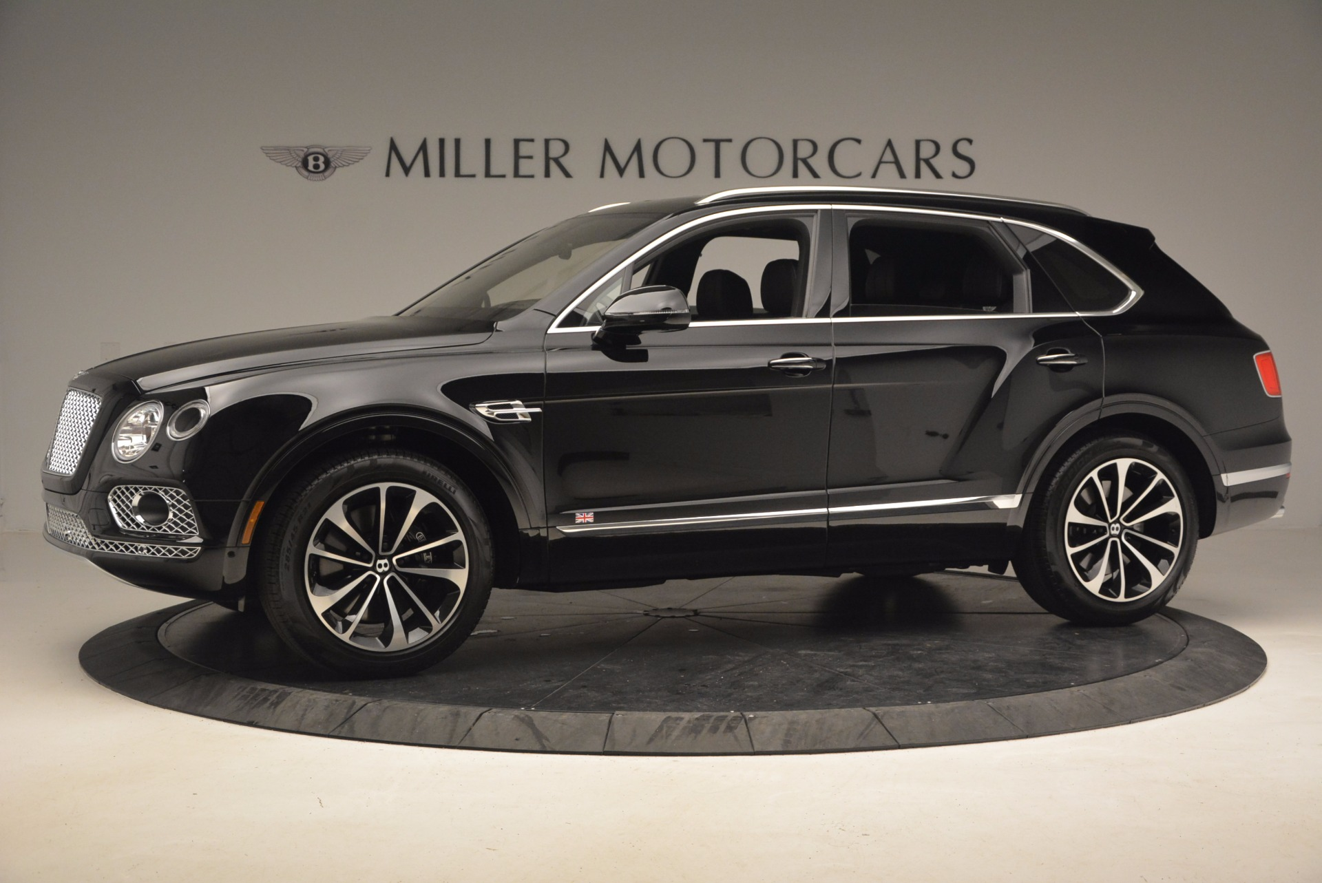 New 2017 Bentley Bentayga  For Sale In Greenwich, CT. Alfa Romeo of Greenwich, B1252 1140_p3