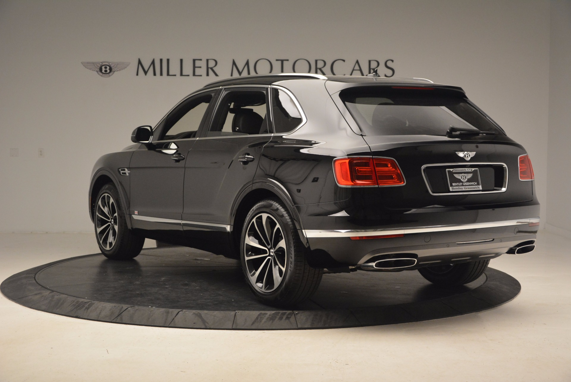 New 2017 Bentley Bentayga  For Sale In Greenwich, CT. Alfa Romeo of Greenwich, B1252 1140_p6
