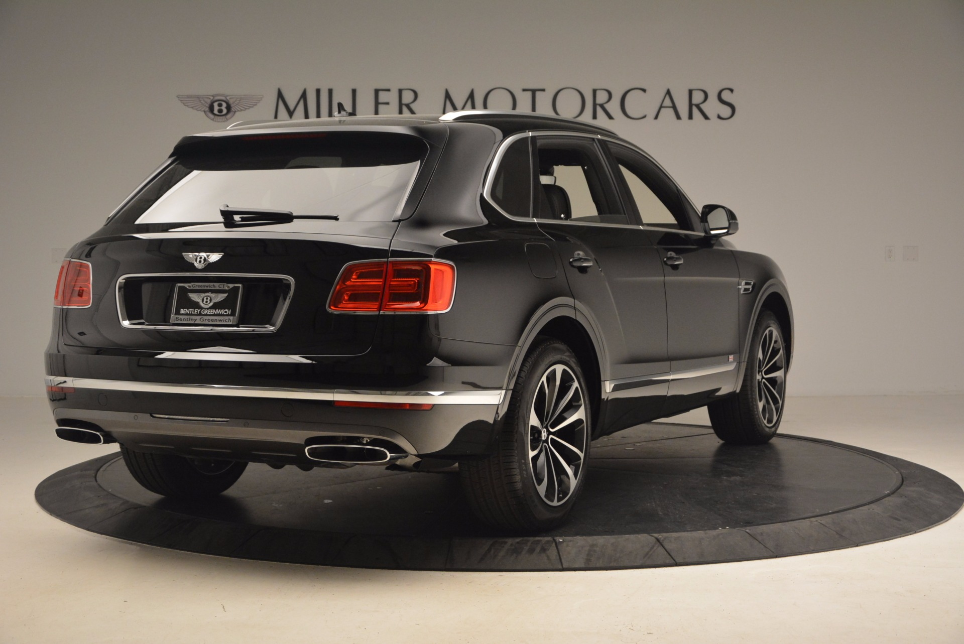 New 2017 Bentley Bentayga  For Sale In Greenwich, CT. Alfa Romeo of Greenwich, B1252 1140_p8