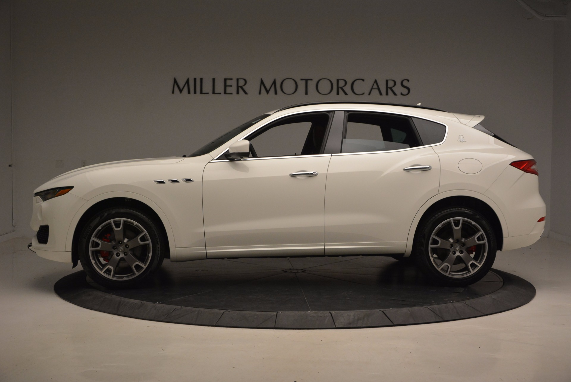 New 2017 Maserati Levante  For Sale In Greenwich, CT. Alfa Romeo of Greenwich, M1868 1145_p3