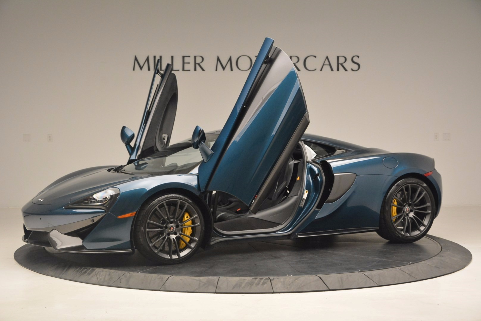 New 2017 McLaren 570S  For Sale In Greenwich, CT. Alfa Romeo of Greenwich, MC295 1148_p14