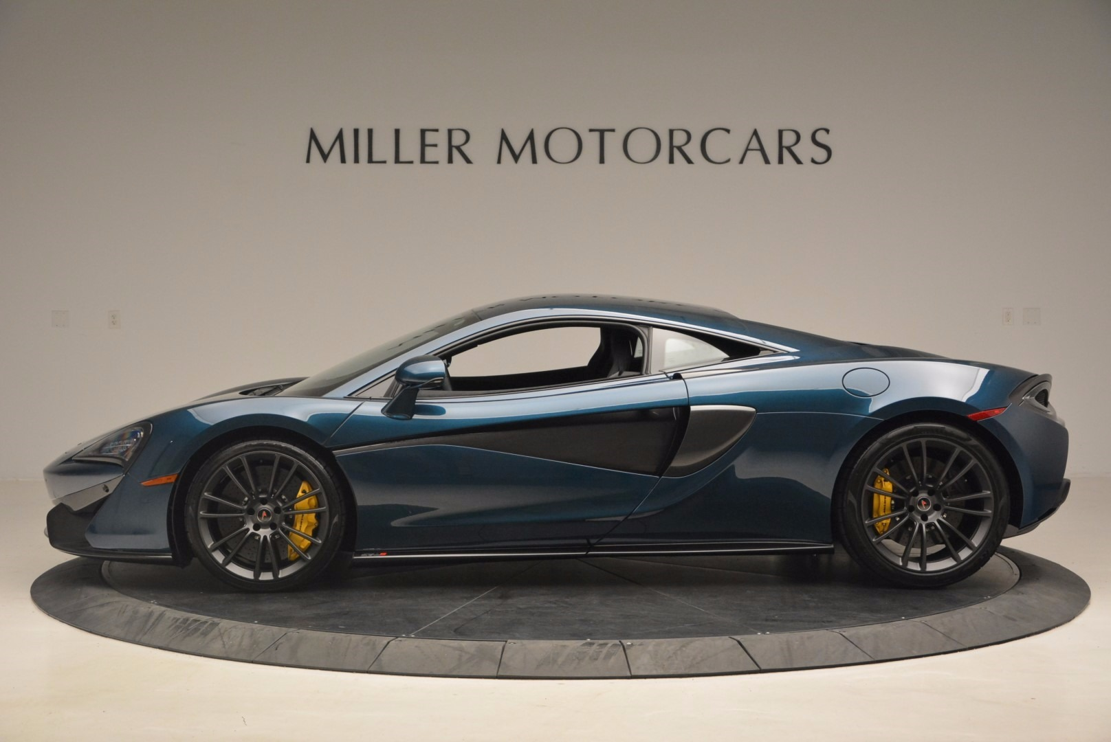 New 2017 McLaren 570S  For Sale In Greenwich, CT. Alfa Romeo of Greenwich, MC295 1148_p3