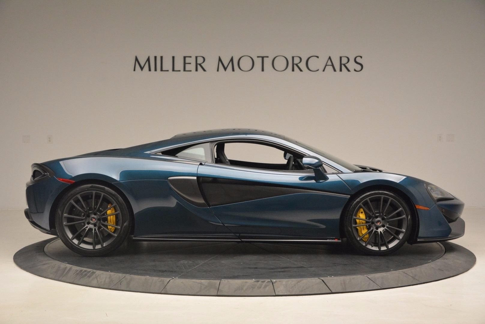 New 2017 McLaren 570S  For Sale In Greenwich, CT. Alfa Romeo of Greenwich, MC295 1148_p9
