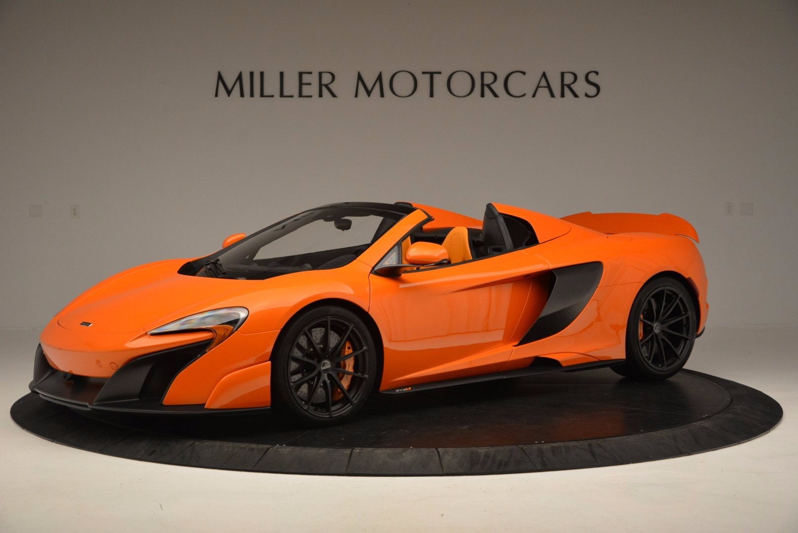 Used 2016 McLaren 675LT Spider Convertible For Sale In Greenwich, CT. Alfa Romeo of Greenwich, 3159