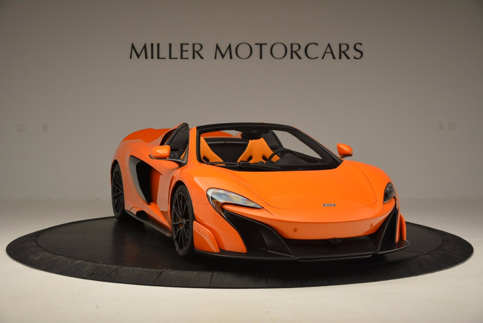 Used 2016 McLaren 675LT Spider Convertible For Sale In Greenwich, CT. Alfa Romeo of Greenwich, 3159 1150_p11