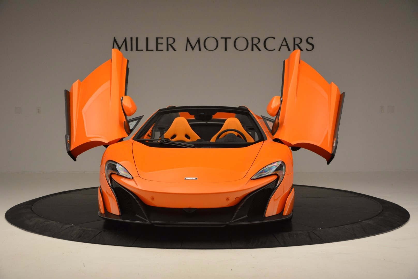 Used 2016 McLaren 675LT Spider Convertible For Sale In Greenwich, CT. Alfa Romeo of Greenwich, 3159 1150_p13