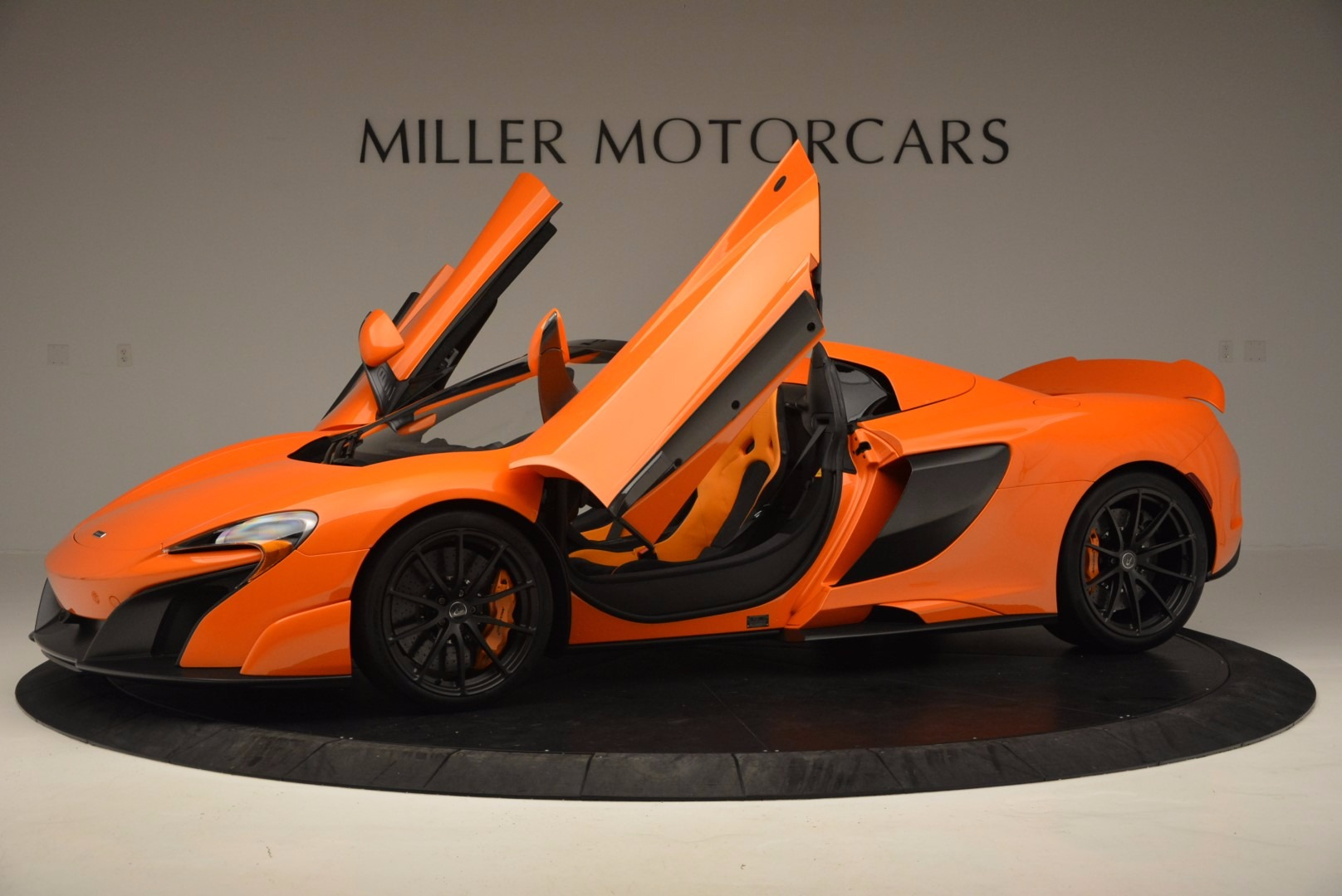 Used 2016 McLaren 675LT Spider Convertible For Sale In Greenwich, CT. Alfa Romeo of Greenwich, 3159 1150_p14