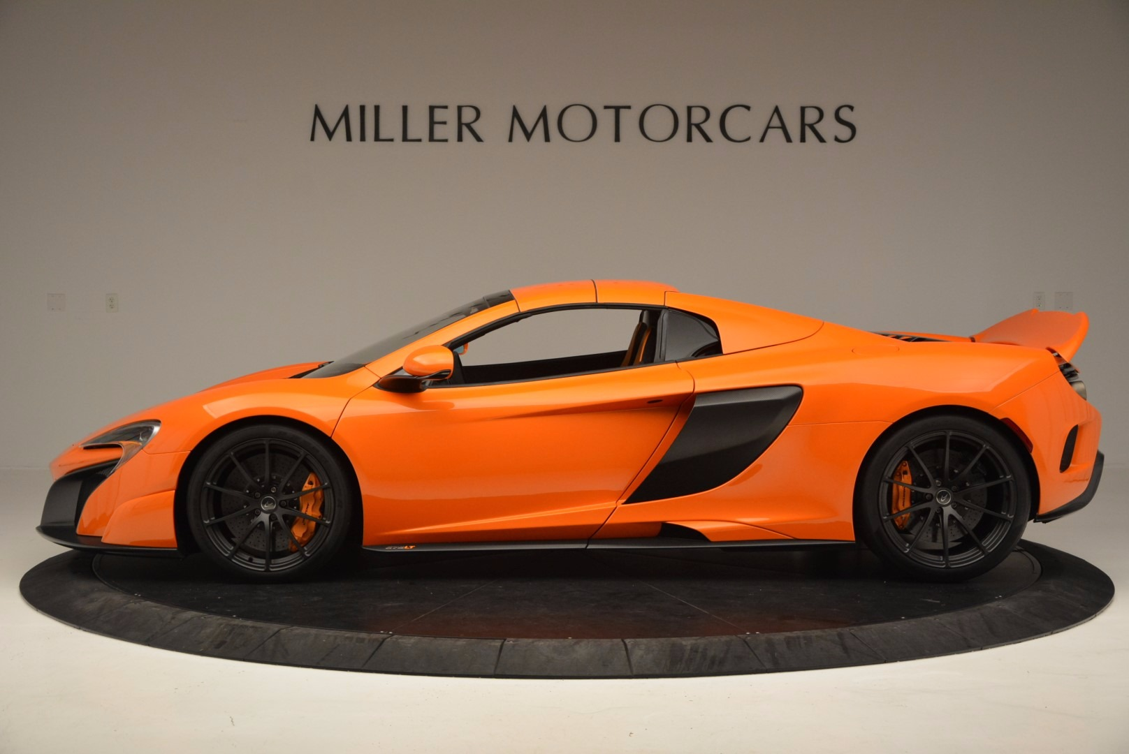 Used 2016 McLaren 675LT Spider Convertible For Sale In Greenwich, CT. Alfa Romeo of Greenwich, 3159 1150_p15