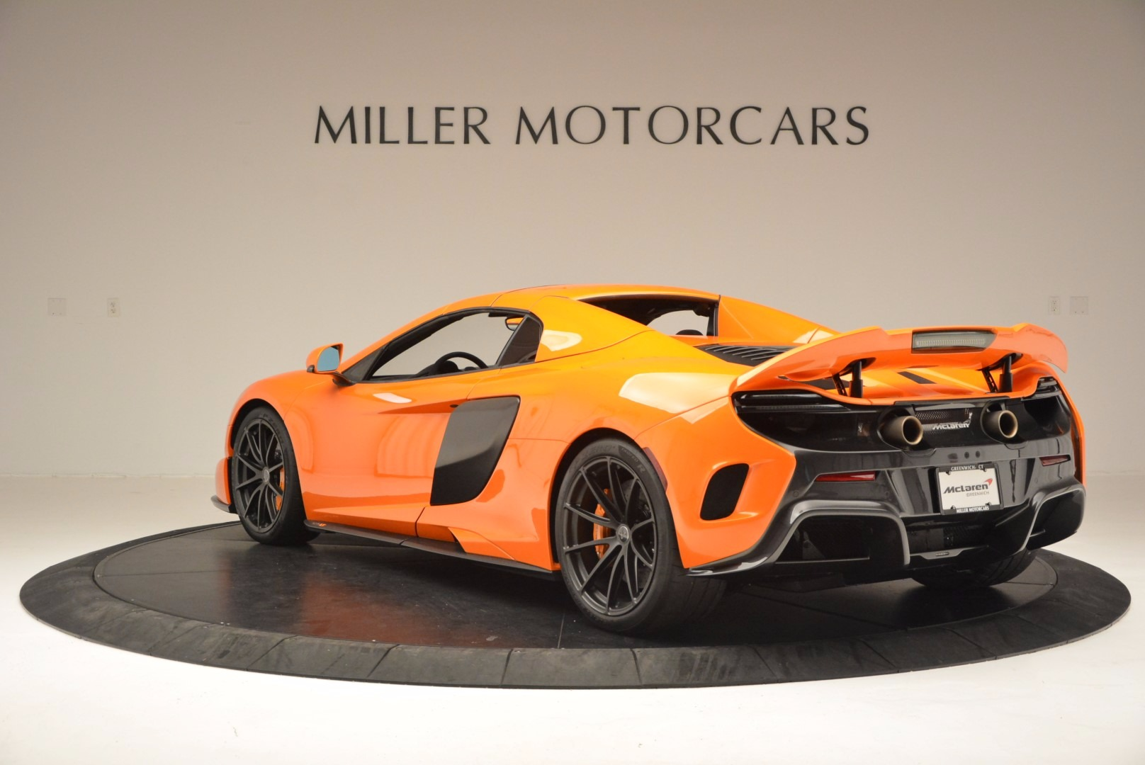 Used 2016 McLaren 675LT Spider Convertible For Sale In Greenwich, CT. Alfa Romeo of Greenwich, 3159 1150_p16