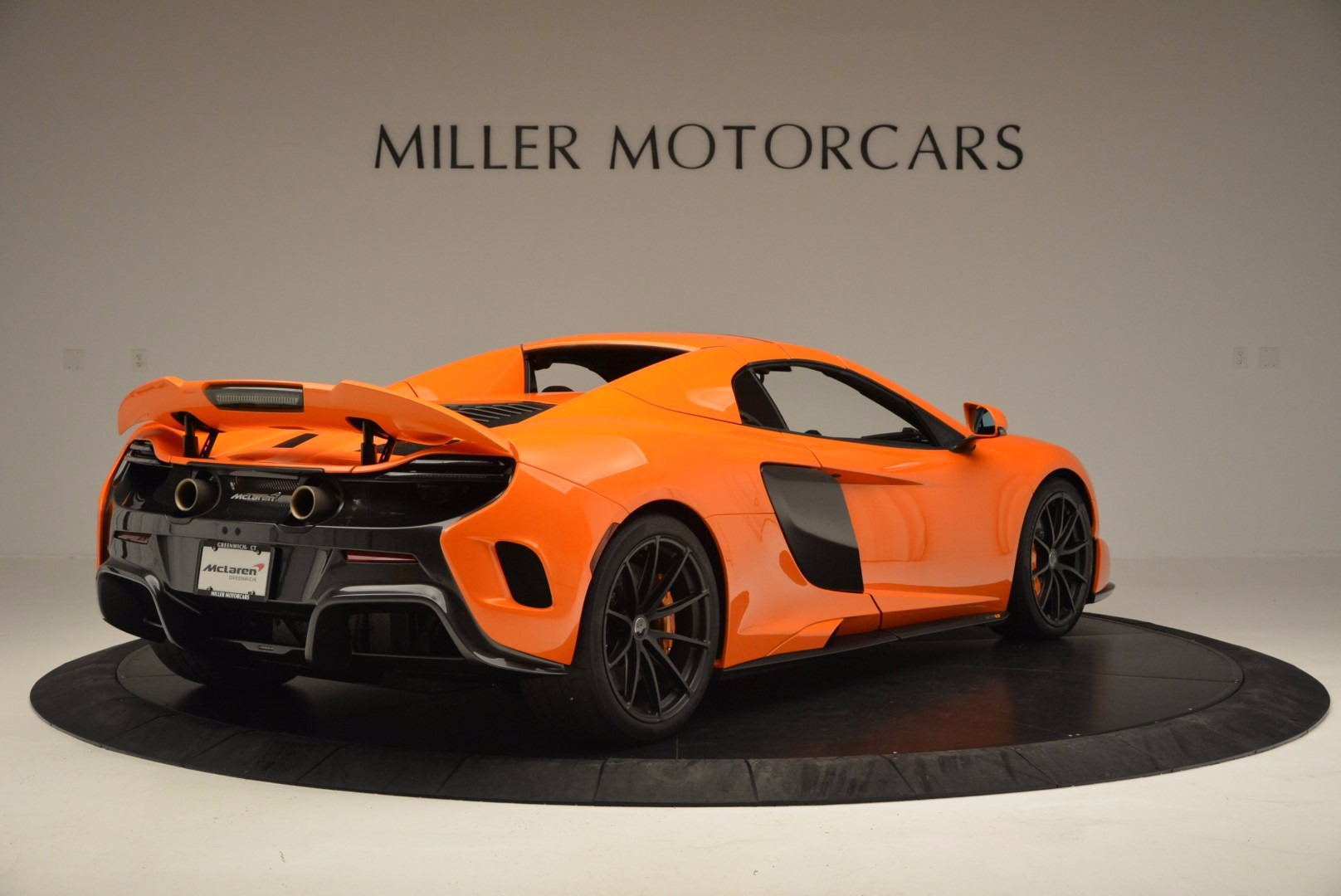 Used 2016 McLaren 675LT Spider Convertible For Sale In Greenwich, CT. Alfa Romeo of Greenwich, 3159 1150_p18