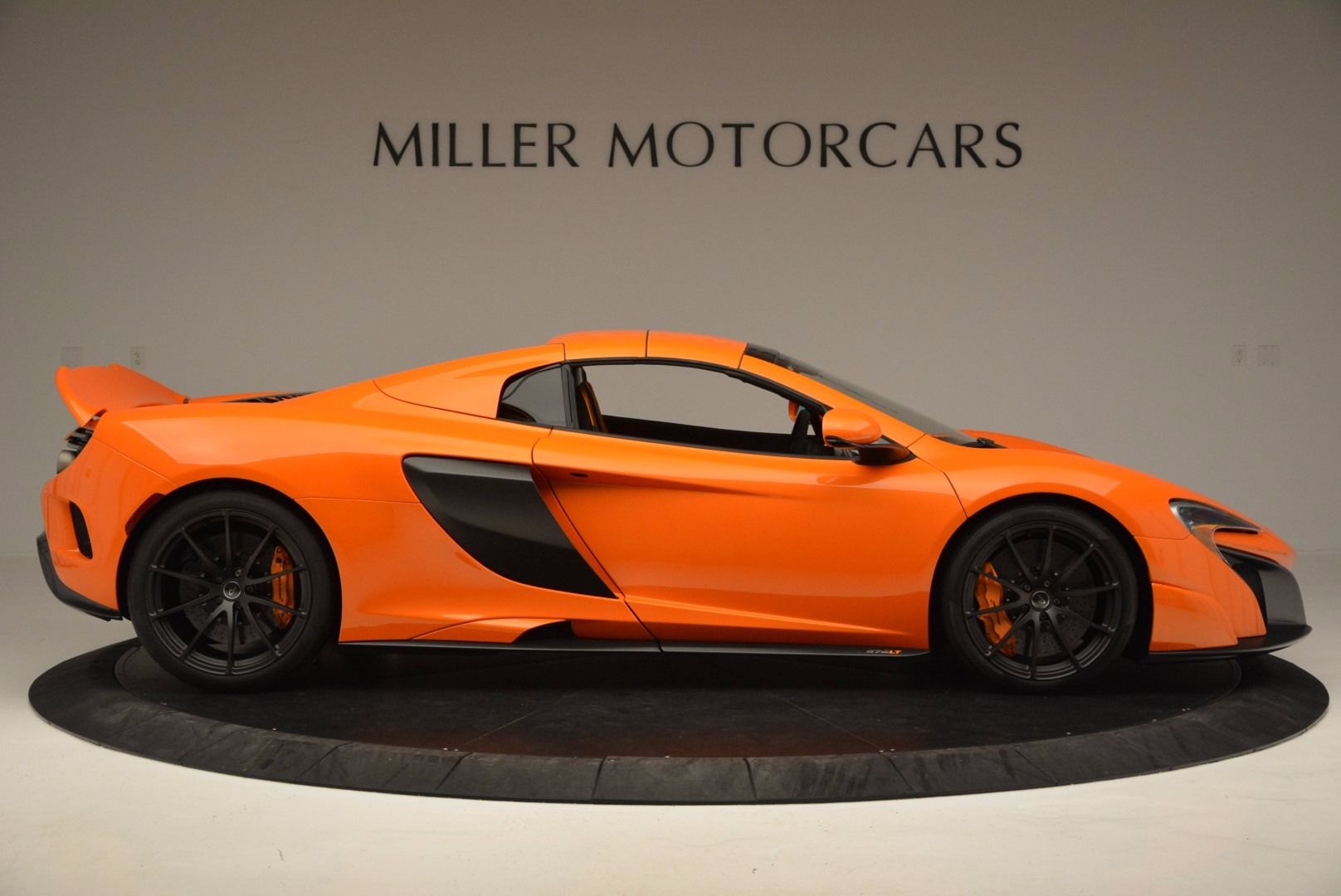 Used 2016 McLaren 675LT Spider Convertible For Sale In Greenwich, CT. Alfa Romeo of Greenwich, 3159 1150_p19