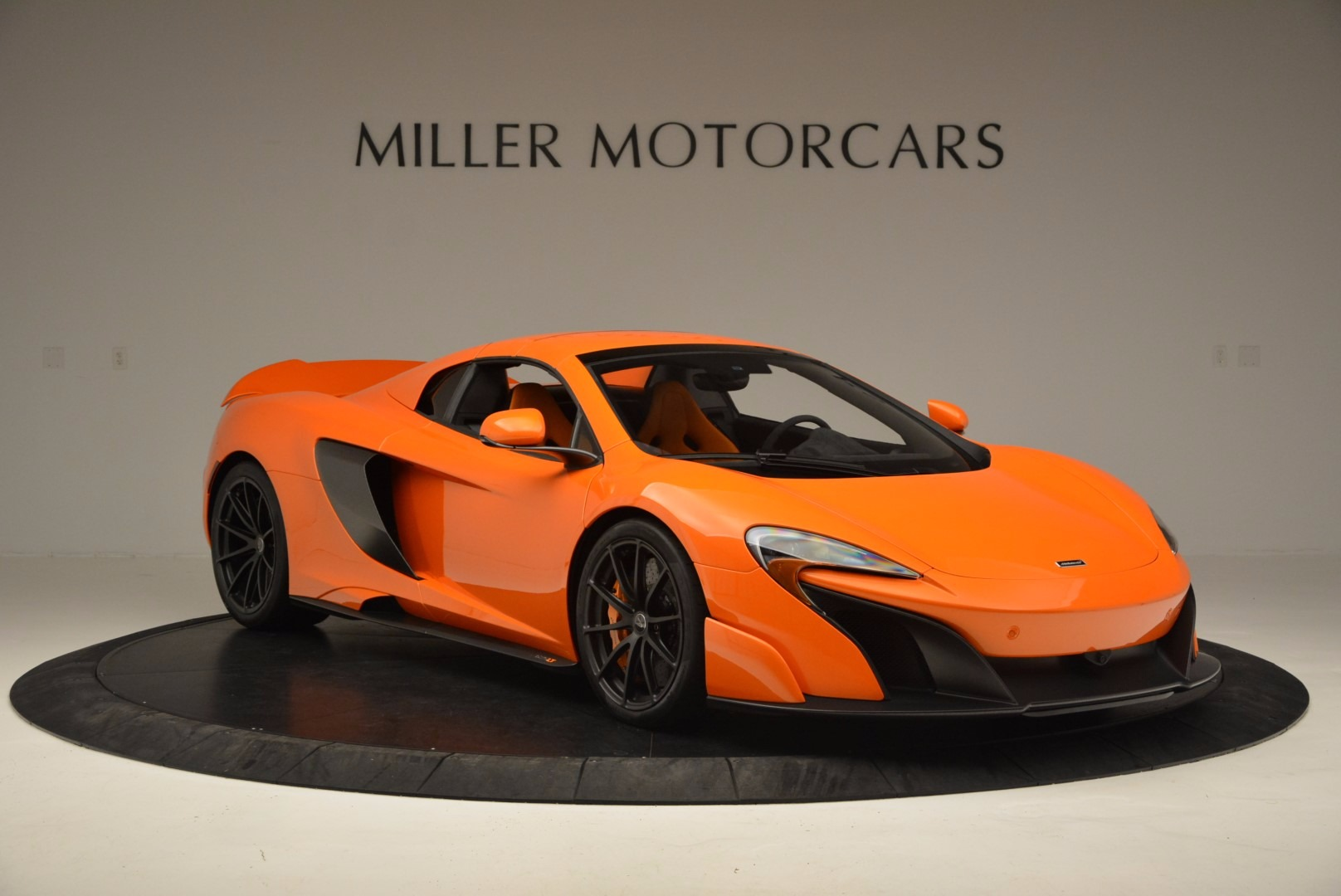 Used 2016 McLaren 675LT Spider Convertible For Sale In Greenwich, CT. Alfa Romeo of Greenwich, 3159 1150_p20