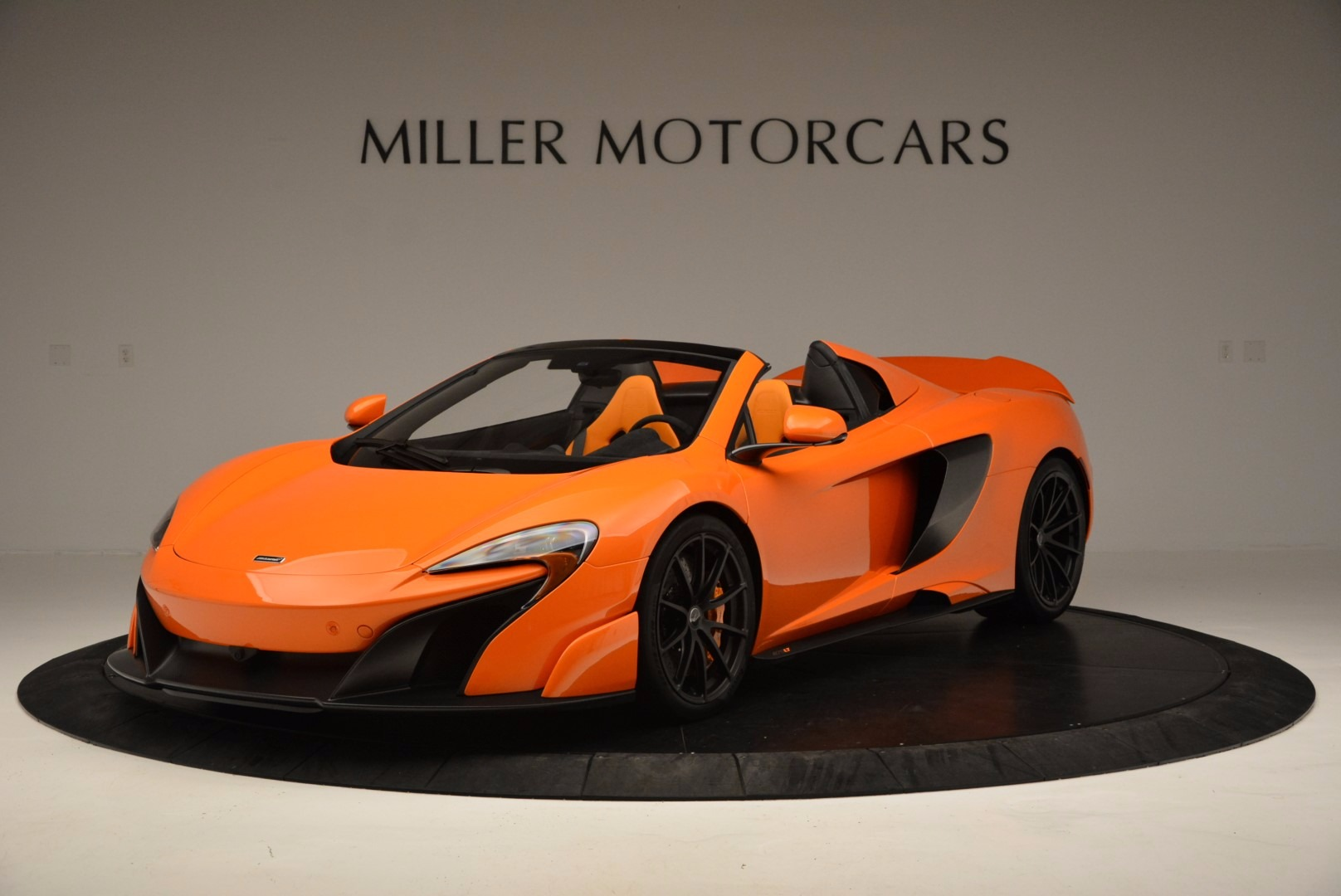 Used 2016 McLaren 675LT Spider Convertible For Sale In Greenwich, CT. Alfa Romeo of Greenwich, 3159 1150_p2