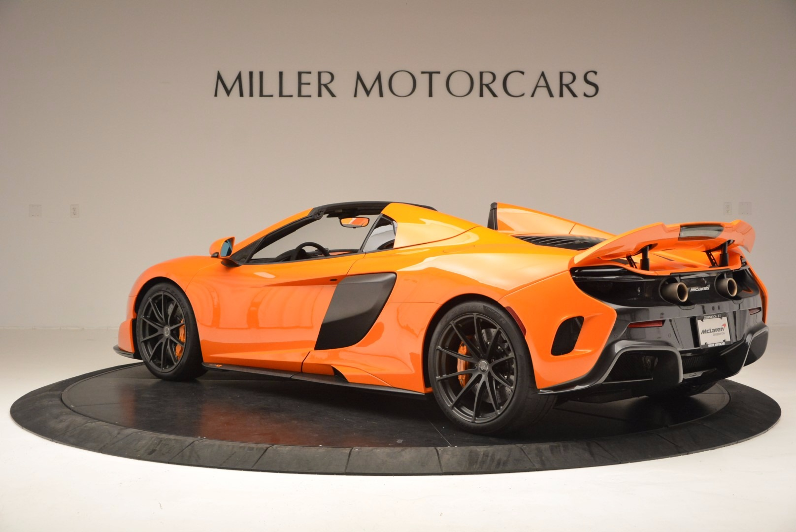 Used 2016 McLaren 675LT Spider Convertible For Sale In Greenwich, CT. Alfa Romeo of Greenwich, 3159 1150_p4