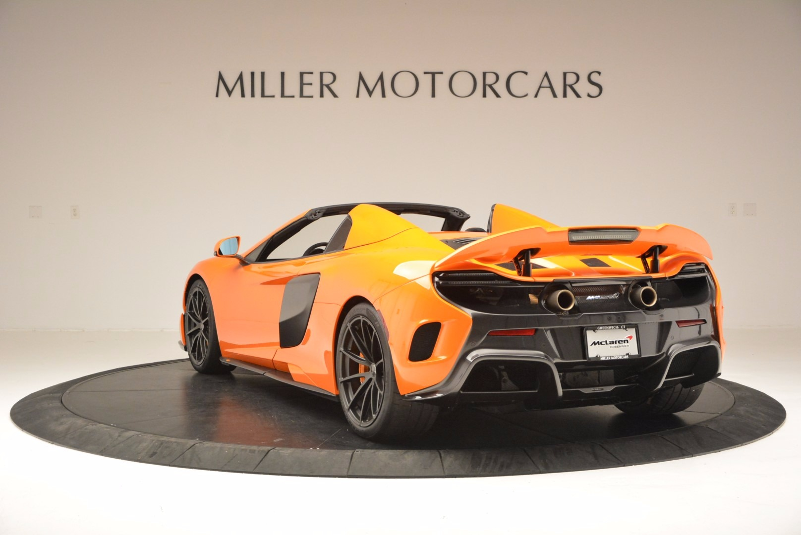 Used 2016 McLaren 675LT Spider Convertible For Sale In Greenwich, CT. Alfa Romeo of Greenwich, 3159 1150_p5