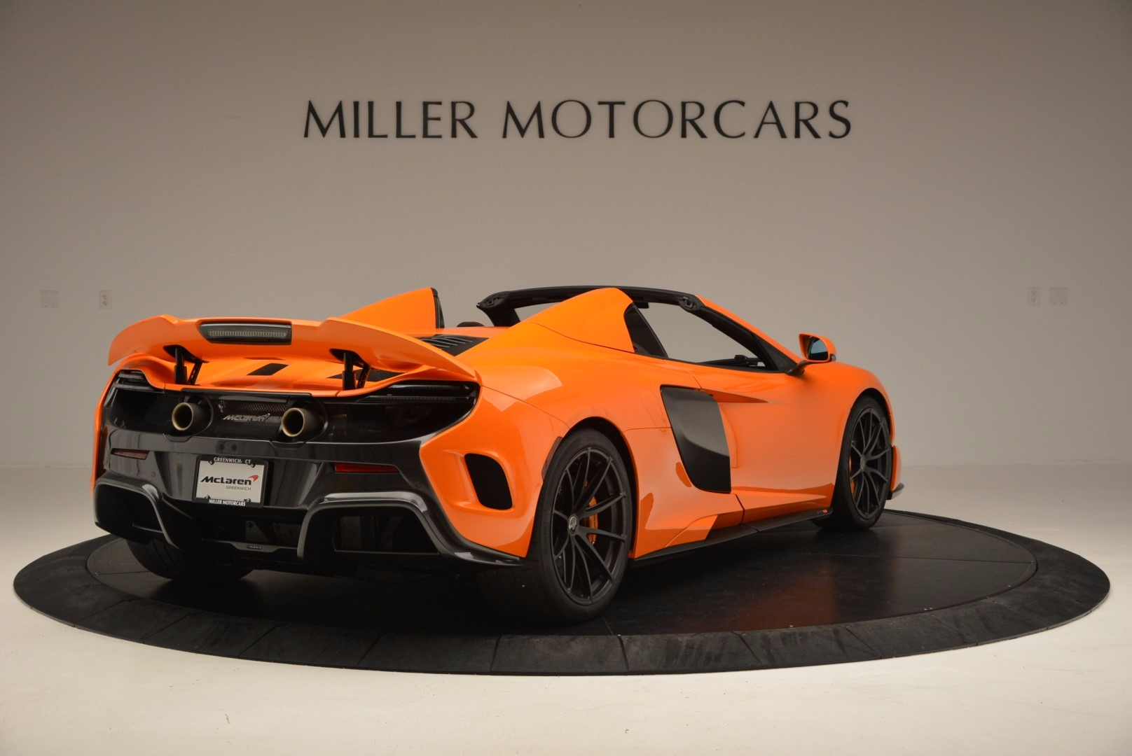 Used 2016 McLaren 675LT Spider Convertible For Sale In Greenwich, CT. Alfa Romeo of Greenwich, 3159 1150_p7