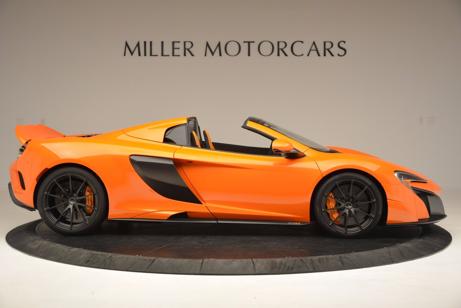 Used 2016 McLaren 675LT Spider Convertible For Sale In Greenwich, CT. Alfa Romeo of Greenwich, 3159 1150_p9